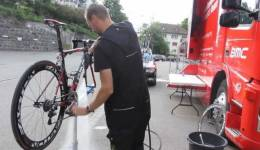 Quickly Clean Your Bike After a Long Ride